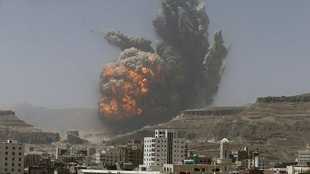 Yémen : le chef des Houthis dénonce l'''agression'' de la coalition