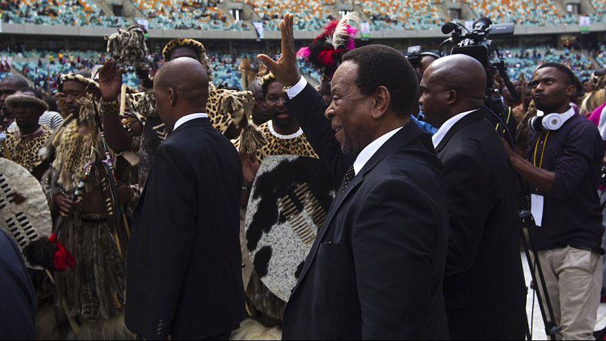 El rey zulú trata de enmendar su error y parar así los ataques xenófobos