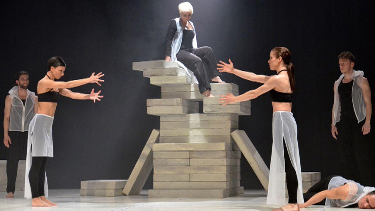 Legendás előadások fizikai színházba oltva - LEAR az Átriumban