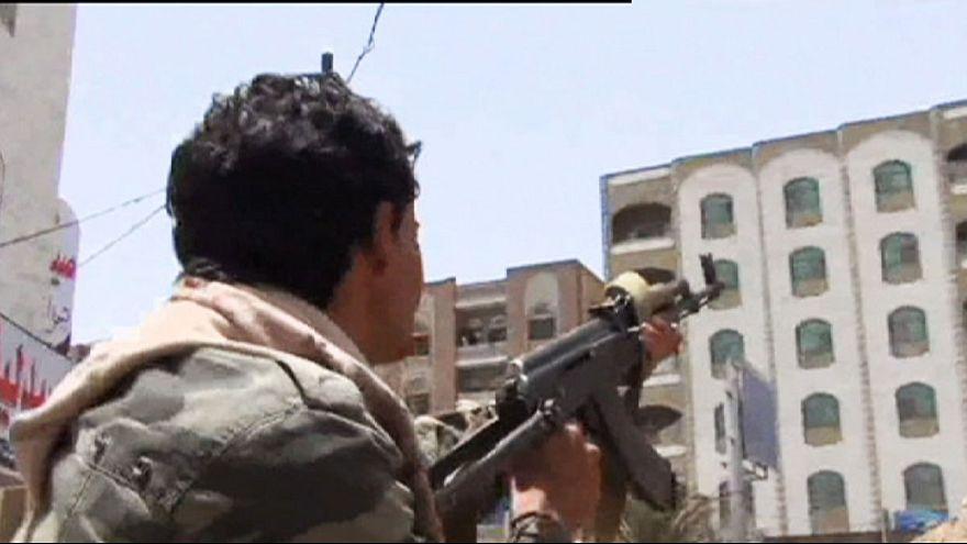 Scene di guerra a Taiz, Yemen