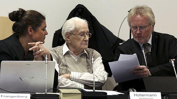 """Oskar Gröning, ancien comptable d'Auschwitz, demande """"pardon"""" aux victimes de la Shoah"""