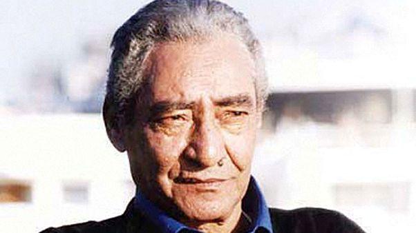 الموت يغيب شاعر العامية المصري الكبير عبد الرحمن الابنودي