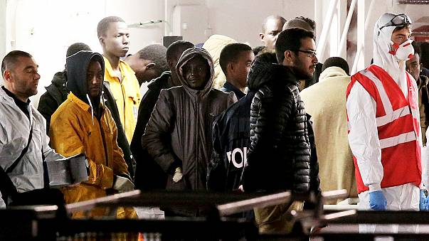 Поток мигрантов из Северной Африки в Европу вырос в 10 раз