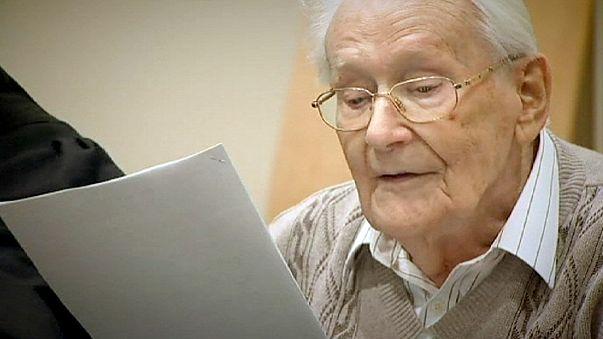 """Oskar Gröning, ancien comptable d'Auschwitz, a demandé """"pardon"""" aux victimes de la Shoah"""