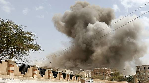 Houthi fighters want UN peace talks, but only after airstrikes stop