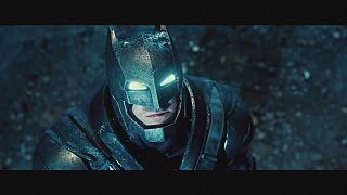 "Erster Blick auf ersten Kontakt: ""Batman vs Superman"""