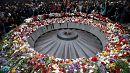 Genocidio armeno: a Yerevan l'omaggio di Hollande e Putin alle vittime