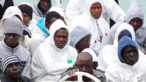 نجات تعداد دیگری مهاجر و آغاز محاکمه کاپیتان کشتی غرق شده در مدیترانه