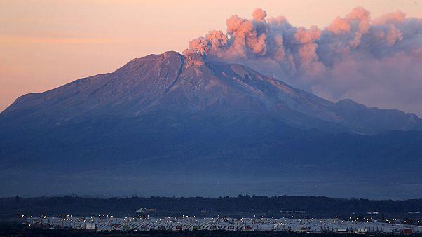Αργεντινή: Χάος στις αερομεταφορές λόγω ηφαιστειακής τέφρας