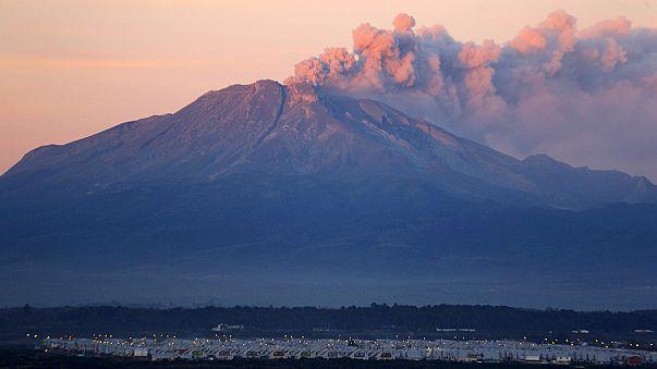 Şili'deki Calbuco yanardağı hava trafiğini vurdu