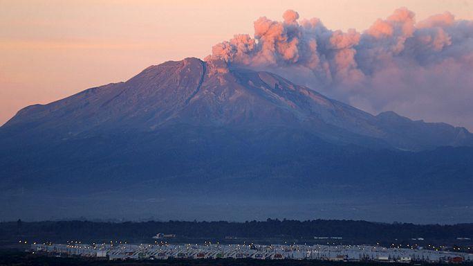 Чилийский вулкан засыпал пеплом Аргентину