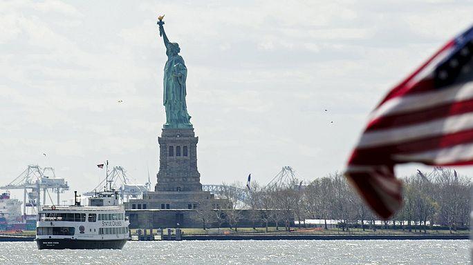 Bombariadó a New York-i Szabadság-szobornál