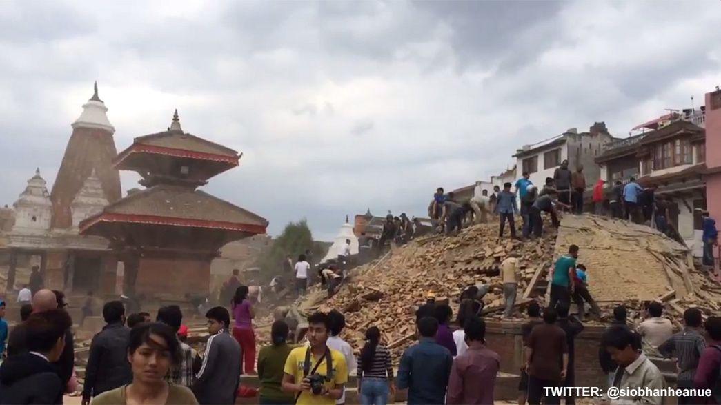 Viele Tote nach Erdbeben in Nepal