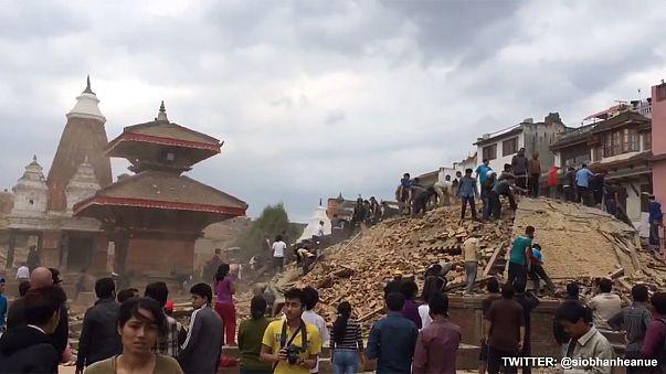 Erős földrengés volt Nepálban