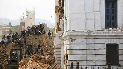 Powerful earthquake rocks Kathmandu