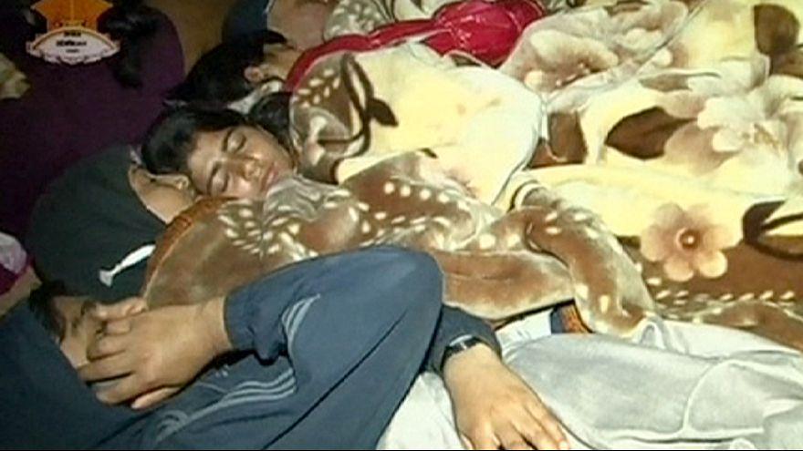 Nepal, primera noche al raso para los supervivientes del terremoto