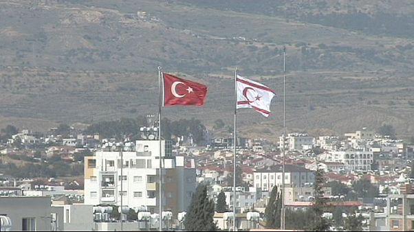 ترک های قبرس برای انتخاب رهبر جدید خود پای صندوق های رای می روند