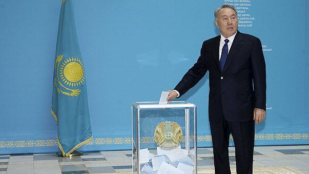 Nazarbaïev en lice pour un cinquième mandat au Kazakhstan