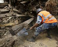 Number of dead in Nepal quake continues to rise by the minute