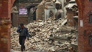 هزة ارتدادية تضرب النيبال مع استمرار عمليات الإنقاذ