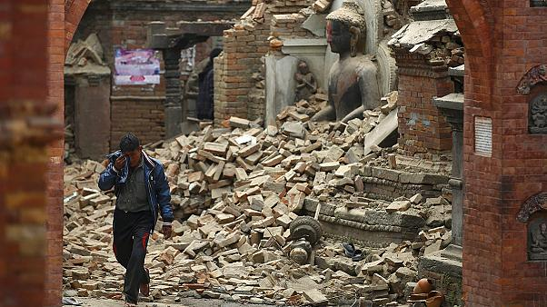 Strong aftershocks add to misery for Nepal quake victims