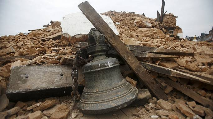 Nepal'in başkenti Katmandu harabeye döndü