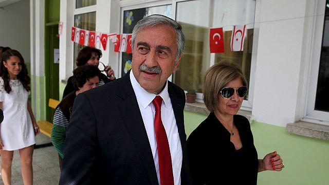 Kıbrıs'ta müzakerelerin yeni yüzü Mustafa Akıncı oldu
