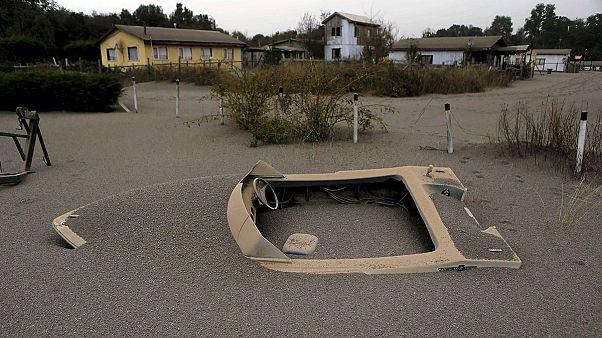 Chili : alerte rouge maintenue, le volcan Calbuco émet toujours des cendres