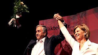 Akinci promete reunificação de Chipre