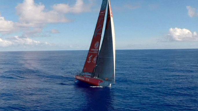 سباق فولفوللمحيطات: المركب دونغ فينغ يتصدربداية المرحلة السادسة