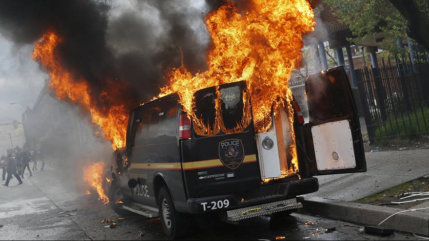Violence erupts in Baltimore over death of Freddie Gray