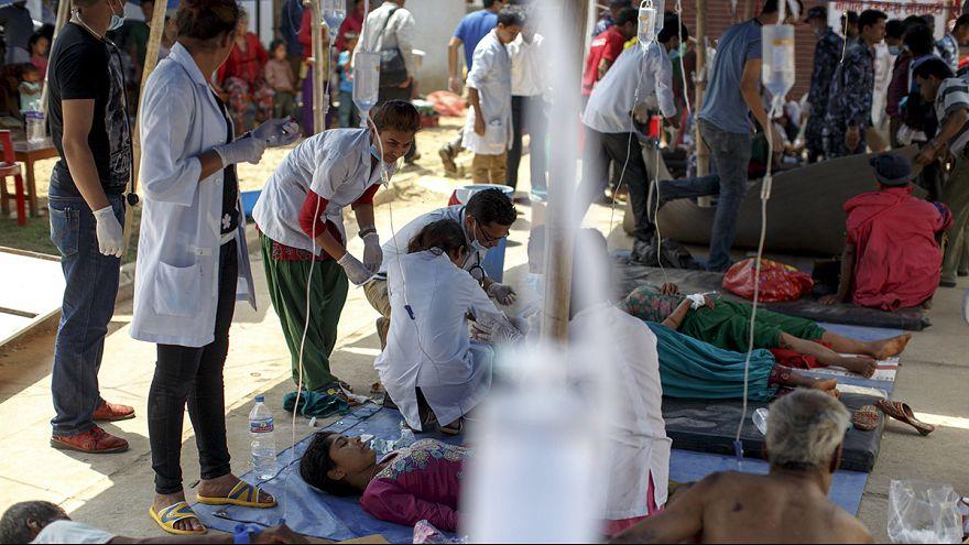معاناة الطواقم الطبية في نيبال بين ارتفاع عدد المرضى وشح الأدوية
