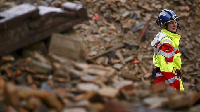 زلزال النيبال: تضامن دولي لإغاثة المنكوبين