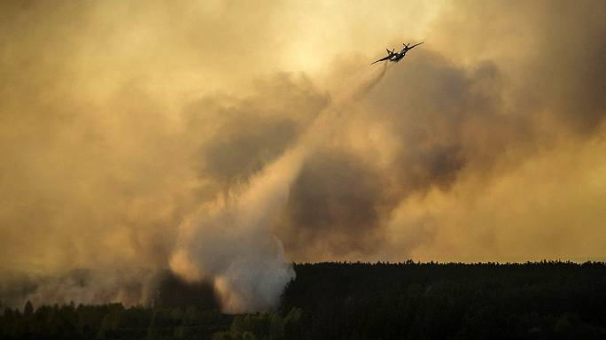 Ukraine: massive forest fire threatens abandoned Chernobyl nuclear plant