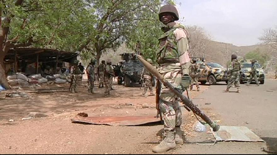 Nigeria afirma haber liberado 293 niñas y mujeres de Boko Haram