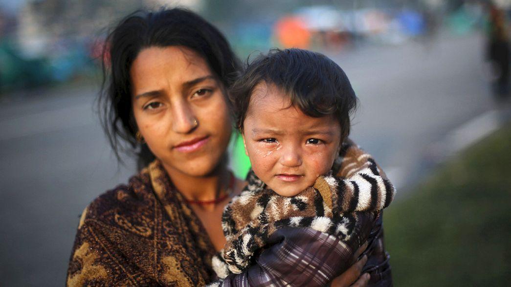 رئيس وزراء نيبال يقدم تعازيه لاهالي ضحايا الزلزال