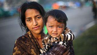 نپال پس از زمین لرزه مرگبار در انتظار کمک های بین المللی است