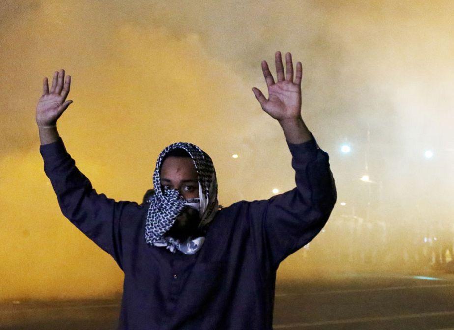Les manifestations continuent malgré le couvre-feu à Baltimore