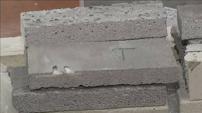 Ciment géopolymère pour isolation maximale