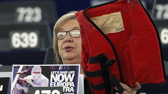 البرلمان الاوروبي يوصي بتوزيع المهاجرين على دول الاتحاد الاوروبي