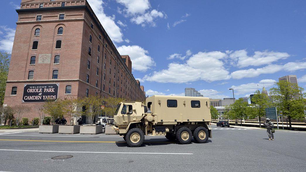 El toque de queda surte efecto en Baltimore