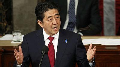 Shinzo Abe presenta su pésame por las víctimas de la II Guerra Mundial delante del Congreso de Estados Unidos sin decir una palabra sobre las esclavas sexuales