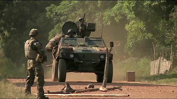 Francia katonák közép-afrikai kisfiúkat molesztálhattak