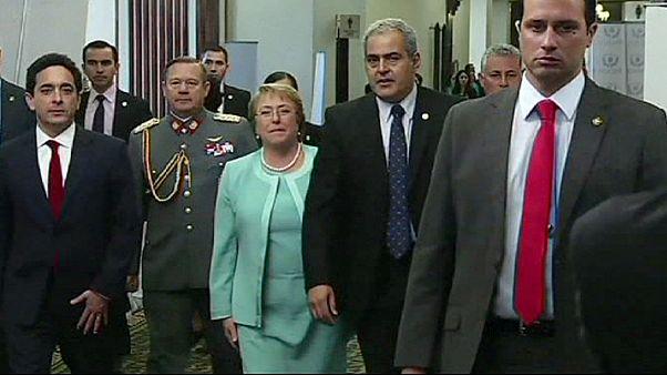 Cile, la presidente Bachelet annuncia una nuova Costituzione: la stesura a partire da settembre