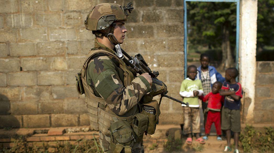 Violação de menores centro-africanos: Hollande quer punição exemplar