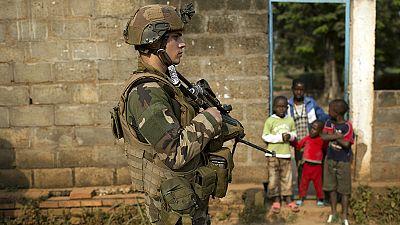 """Missbrauchsvorwürfe gegen französische Soldaten: Hollande will sich """"unerbittlich"""" zeigen"""