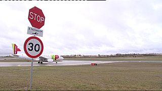 Los pilotos de la portuguesa TAP empiezan una huelga de diez días
