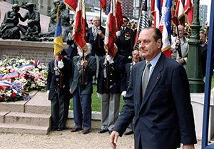 Jacques Chirac, place des Martyrs à Paris, 16/07/1995