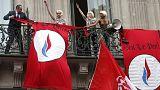 زنان گروه «فمن» سخنرانی مارین لوپن را بر هم زدند