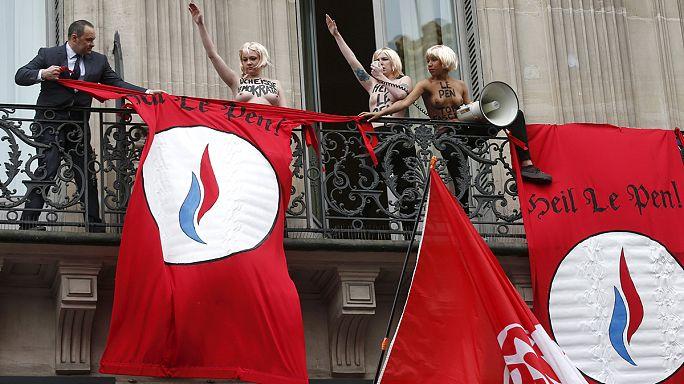 ناشطات من فيمن في باريس يقاطعن خطاب لوبان لدقائق
